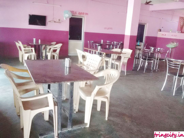 Vennala Veg And Non-Veg Family Restaurant A/C